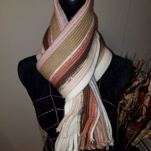 Accessories - NWOT STRIPED FALL/WINTER SCARF